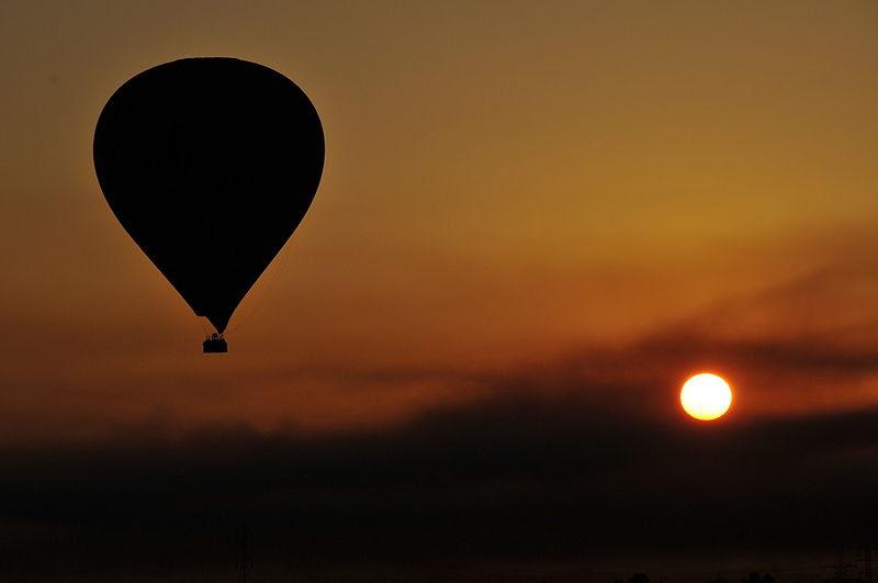 File:Balloon over Luxor - Egypt.jpg