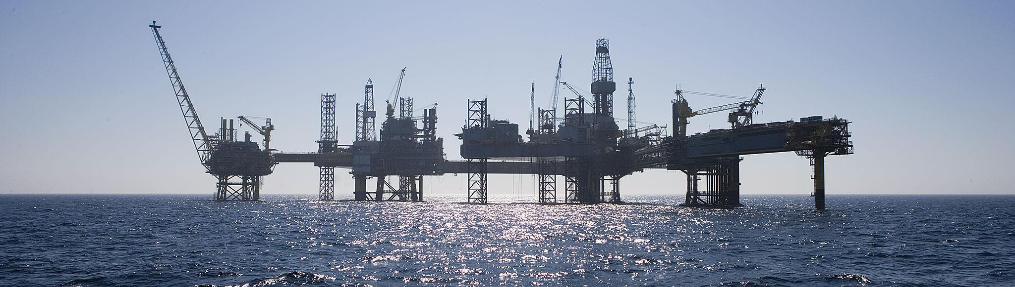 http://www07.abb.com/images/librariesprovider104/Industry-solutions/Oil-and-gas/dbu_platform_dan_field_11.jpg?sfvrsn=1