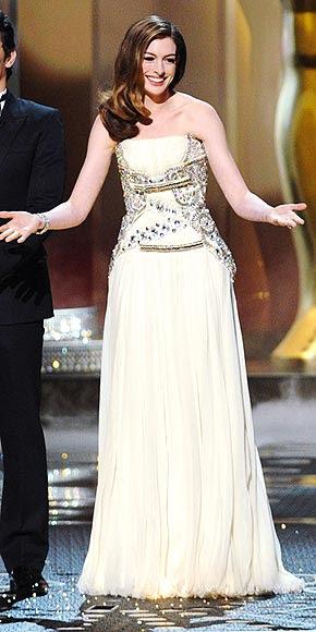 SILVER-SCREEN STUNNER photo | Anne Hathaway