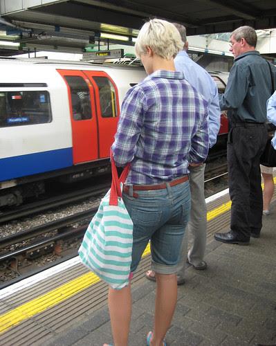 Agyness Deyn Lookalike on the Tube