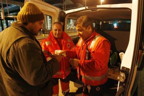 La UME de Córdoba durante una atención. | Cruz Roja.