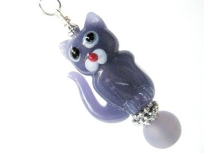 photo of the purple kitty necklace