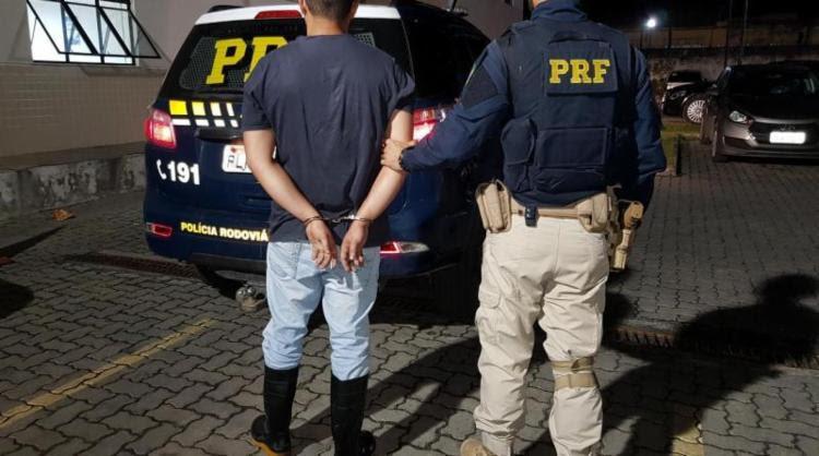 Resultado de imagem para Homem é preso por porte ilegal de arma em Conceição do Jacuípe