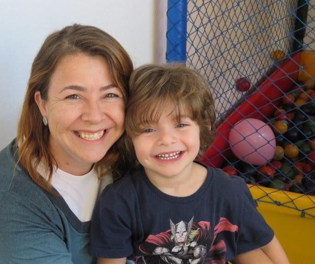 Alessandra e o filho Nícolas (Foto: Divulgação)