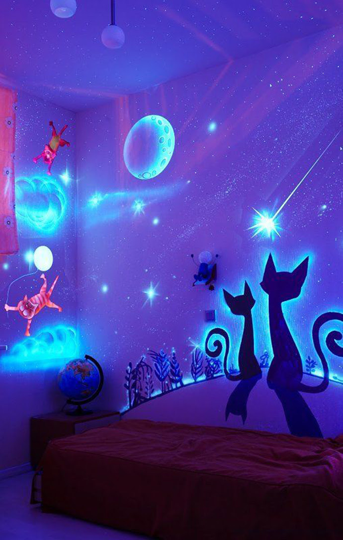 Stunning Bedroom Decor With Glow In The Dark Paint Housebeauty