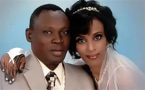 Meriam Ibrahim junto a su esposo Daniel el día de su matrimonio