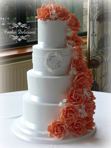 Cookie Delicious Wedding Cakes   Essex Wedding Cakes and