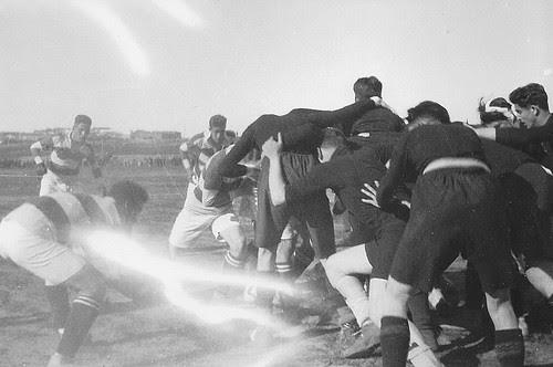 Partido de Rugby en la Escuela de Gimnasia de Toledo en los años 20. Fotografía de Eduardo Butragueño Bueno