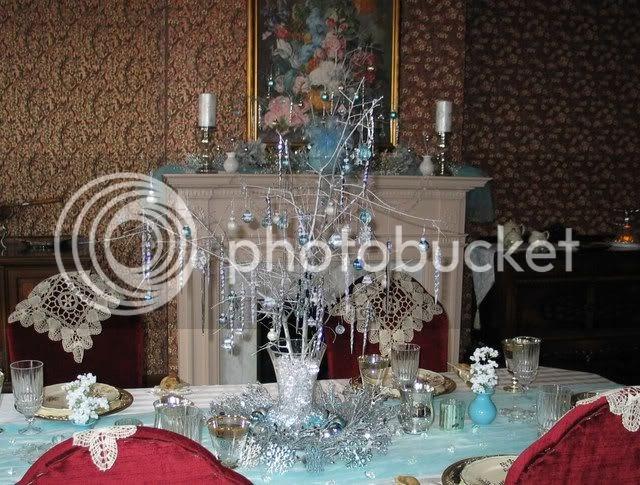 Carolinajewel's Table: 4th Anniversary