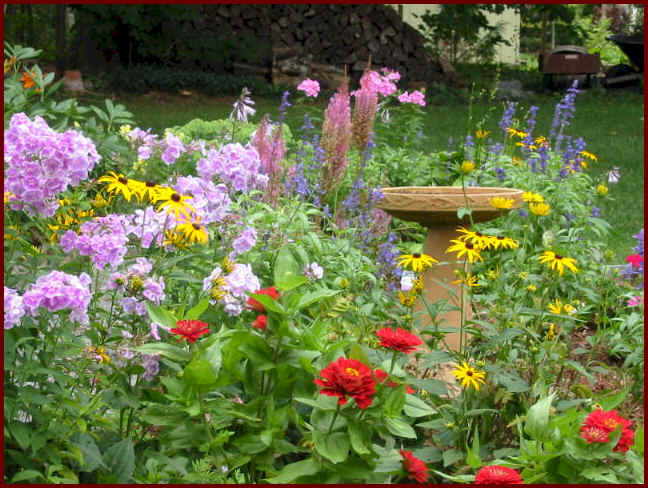 Flower Garden Pictures | pictures of beautiful flower gardens