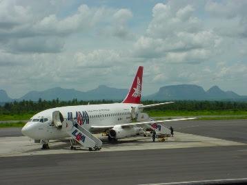 LAM - Linhas Aéreas de Moçambique 737