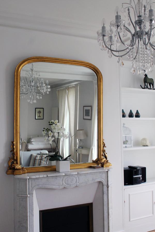 parisian-decor-gold-mirror-marble-fireplace