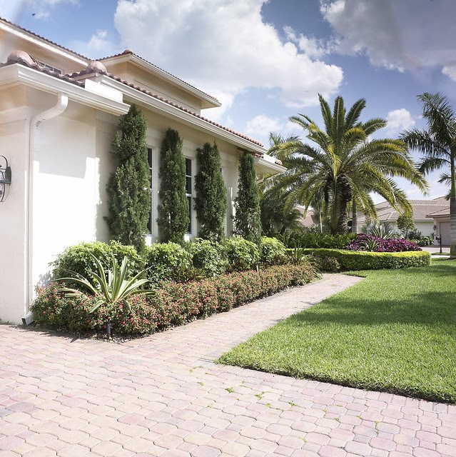 Front Yard Landscaping Ideas Split Level Tropical Landscaping Ideas