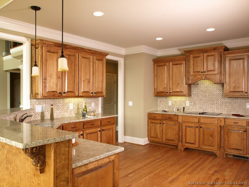 Pictures of Kitchens - Traditional - Medium Wood, Golden ...
