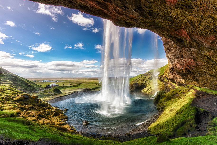 http://www.demilked.com/magazine/wp-content/uploads/2014/06/nordic-landscape-nature-photography-iceland-34.jpg
