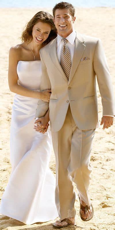 beach wedding attire for groom   Sang Maestro