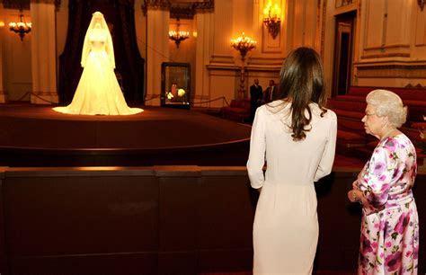 Kate's wedding dress goes on display at Buckingham Palace