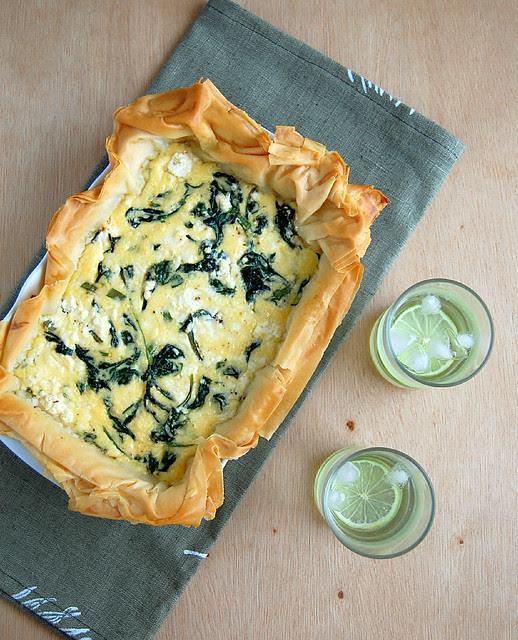 Spinach and three-cheese pie / Torta de três queijos e espinafre