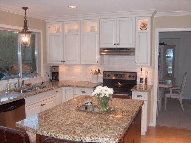 Contrasting Stained Wood and White Painted Cabinets ...