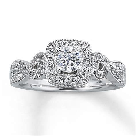 Diamond Engagement Ring 5/8 ct tw Round cut 14K White Gold