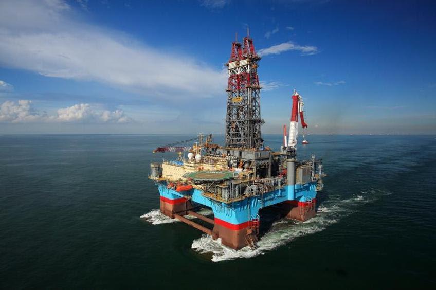 Αποτέλεσμα εικόνας για αντληση πετρελαιου απο θαλασσα
