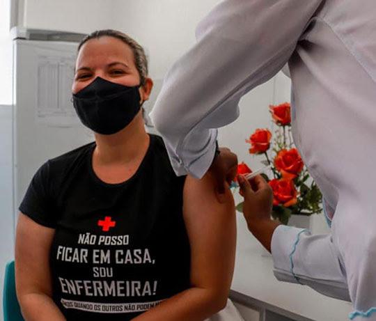 Teofilândia dá início à vacinação após receber primeiro lote de CoronaVac | Foto: Divulgação/Prefeitua