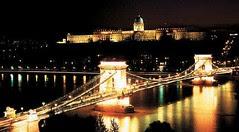 Pemandangan Malam Chain Bridge & Royal Palace, Budapest, Hungary