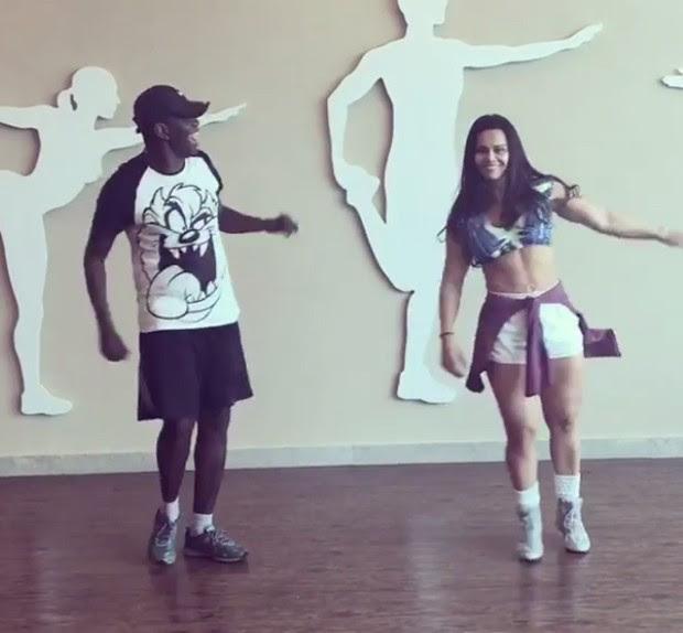 Viviane Araújo em aula de dança (Foto: Reprodução/Instagram)