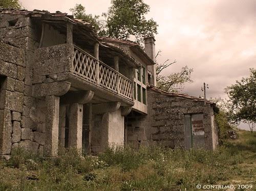 Casa abandonada en sandi s ourense fotonikka - Casa tipica gallega ...