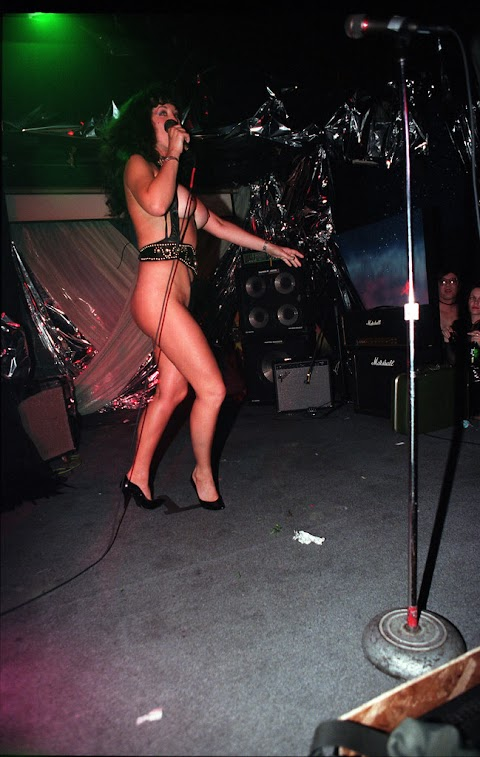 Howard Stern Topless Pics (@Tumblr) | Top 12 Hottest