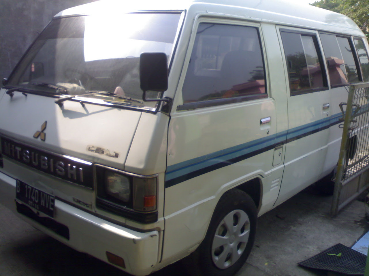 Bekas Di Jual Mitsubhisi L300 Starwagon Minibus 1997 Solar Today 08