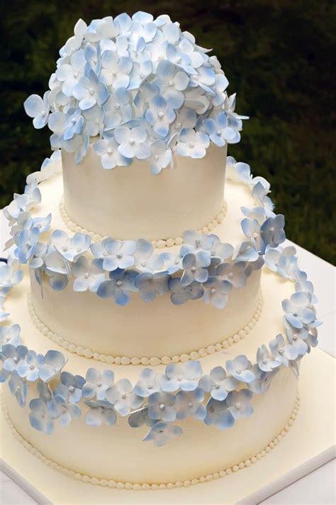 Best 25  Hydrangea wedding cakes ideas on Pinterest