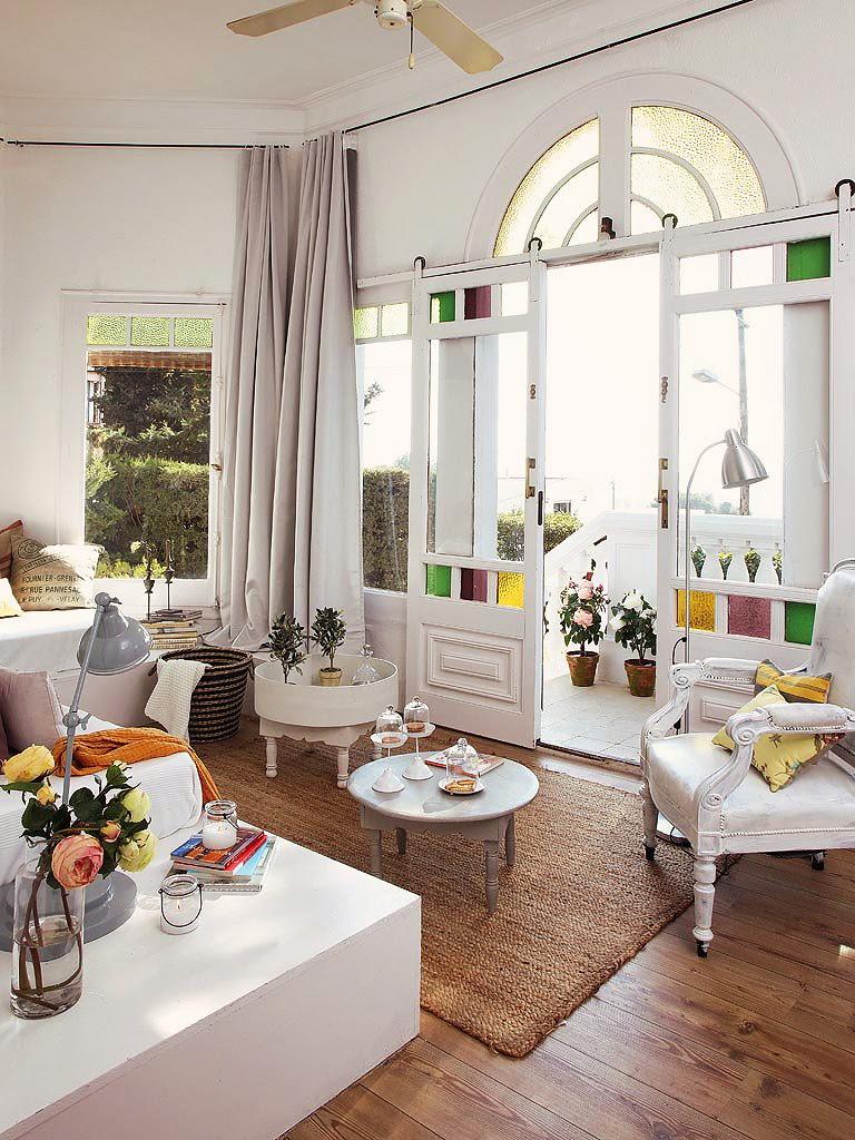 Decordemon an elegant villa in barcelona - Muebles de entrada vintage ...