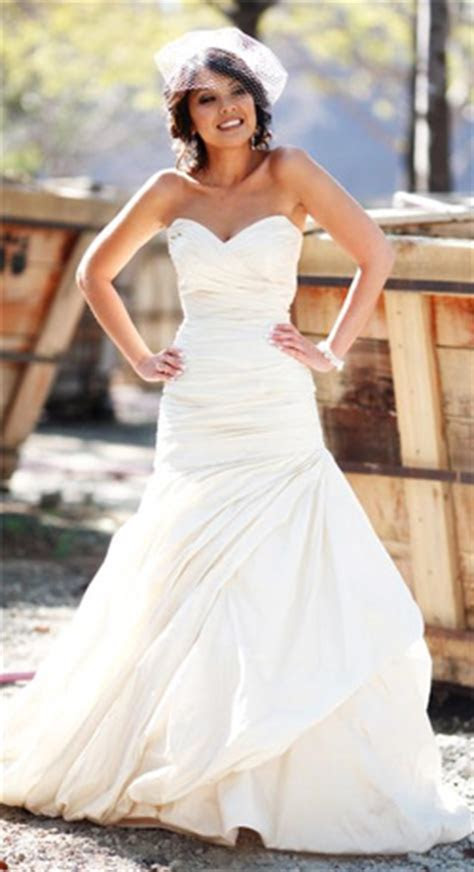 Wedding Dress Silhouettes Defined   PreOwned Wedding Dresses
