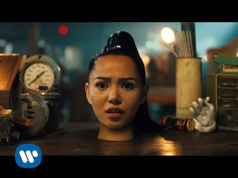 LIRIK LAGU BELLA POARCH - BULID A B*TCH (Official Music Video)