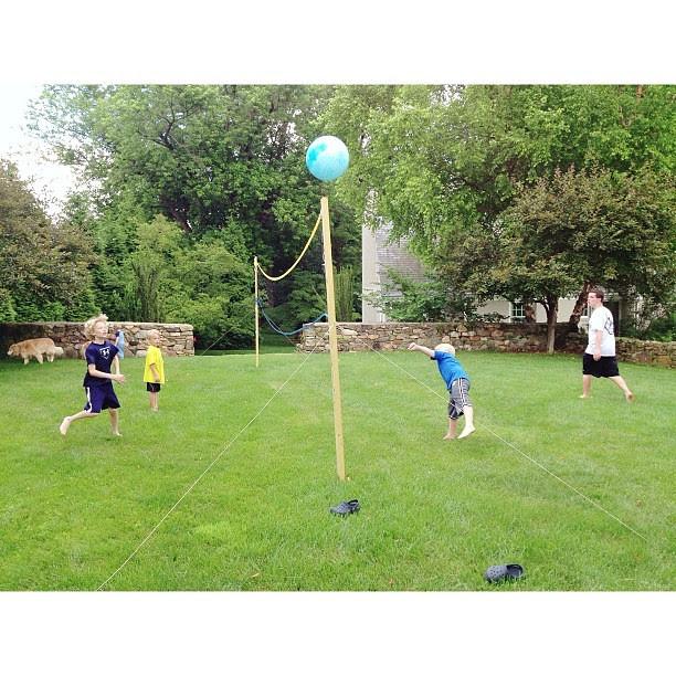 Neighborhood volleyball... #macefamilysummer