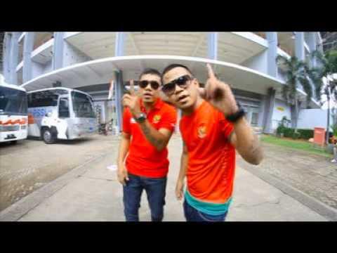 """Lagu Pop Daerah Maluku """"Doddie"""" feat Timnas Indonesia"""
