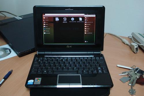 Asus Eee 904HD con Ubuntu-eee 8.04.1