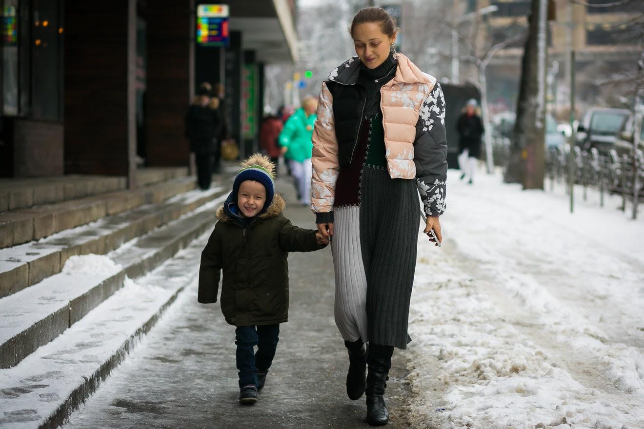 http://assets.vogue.com/photos/589a0887e5f0b1d5075f47cf/master/w_1320,c_limit/02-mommy-me-style-kiev-style-du-monde.jpg