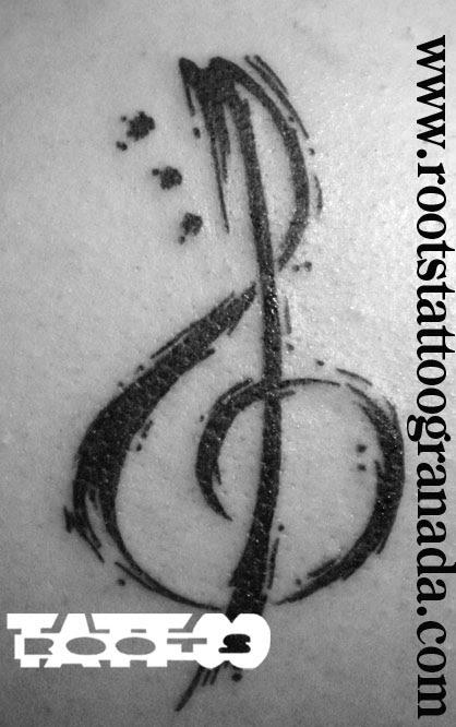 Tatuaje Clave De Sol Con Pinceladas Roots Tattoo Granada Roots