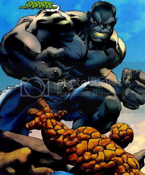 Hulk cinza esmaga homenzinho de pedra