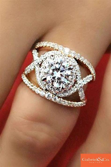 18k white and rose gold contemporary diamond split shank