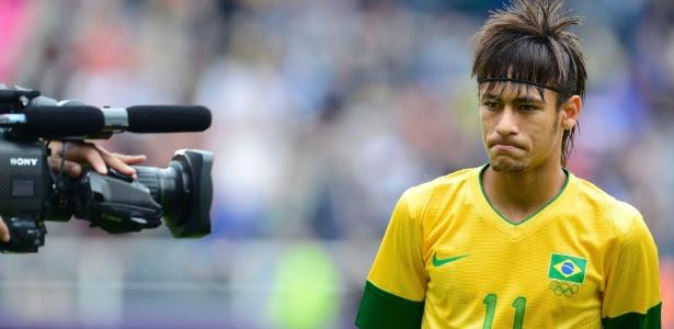 Neymar desta vez não conseguiu brilhar diante das câmeras e perdeu um gol incrível em Newcastle