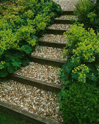 25-Lovely-DIY-Garden-Pathway-Ideas-04