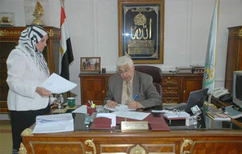 http://gate.ahram.org.eg/Media/News/2013/6/29/2013-635081039585814171-581_main.jpg