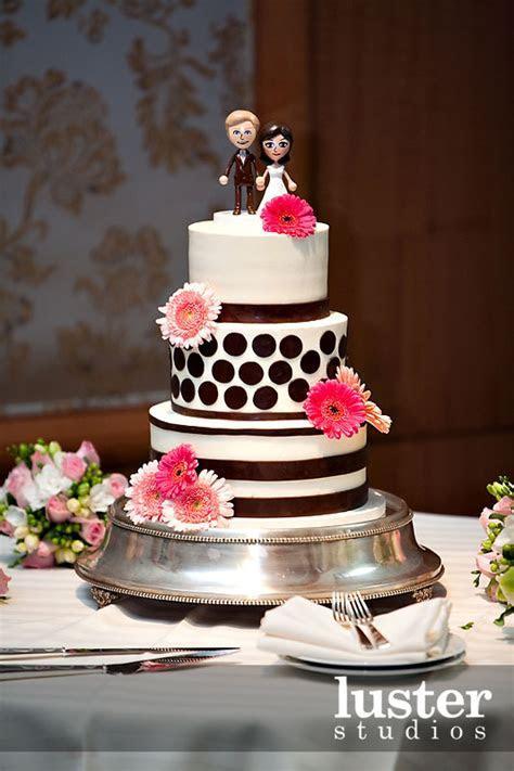 unusual wedding cakes take two 08   Alice In Weddingland