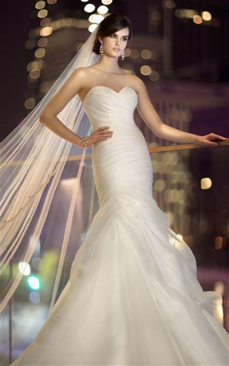 Hot Wedding Dress Trend: Simple Wedding Dresses   Pretty