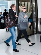 Cate Blanchett and husband Andrew Upton fly out of Sydney for Oscars week (February 28, 2014) x15
