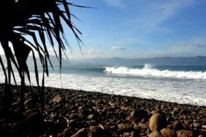 Pantai Cimaja 300x199 10 Tempat Wisata di Sukabumi yang Wajib Dikunjungi
