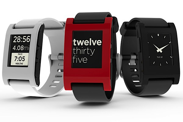 Pebble smartwatch raises $100,000 in two hours, retires on a beach